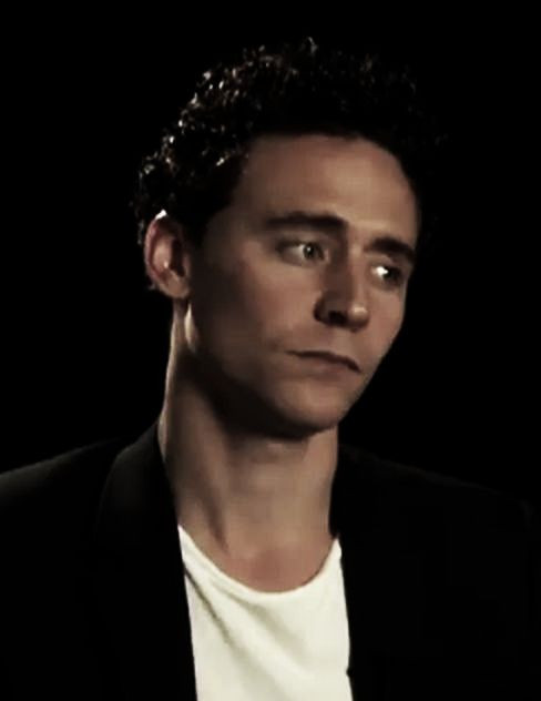 Hiddleston_2